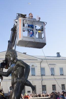 Ylioppilaskunnan hallituksen puheenjohtajan Juho Pulkan korkealentoinen puhe korkeissa puitteissa.