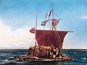 Thor Heyerdahlin Kon-Tiki lautta vuonna 1945. Tutkimusmatkailija kirjoitti matkastaan kirjan ja matkasta tehty dokumenttielokuva voitti Oscarin vuonna 1951.